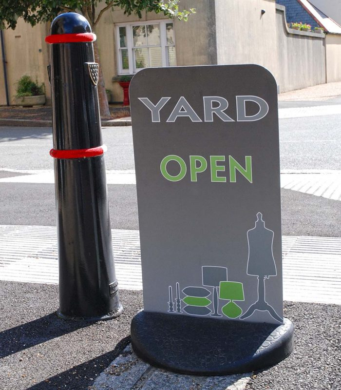 yard-wobble-sign